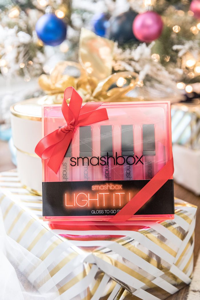 Sharing my favorite stocking stuffers under $30 with Nordstrom and I'm loving this Smashbox Holiday Lipstick Gift Set