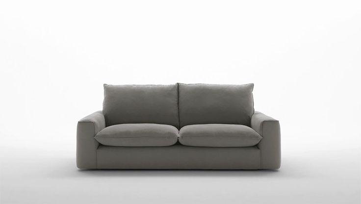 #Divano modello #BroSlimClassic. #Comodo, #essenziale, #forte e senza tempo, #Bro rappresenta il divano per eccellenza. Completamente #sfoderabile e disponibile in #pelle o #tessuto. By #FRATELLIFERRO