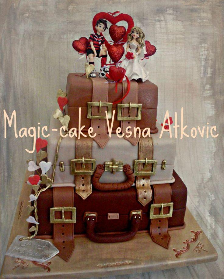 wedding cake suitcase