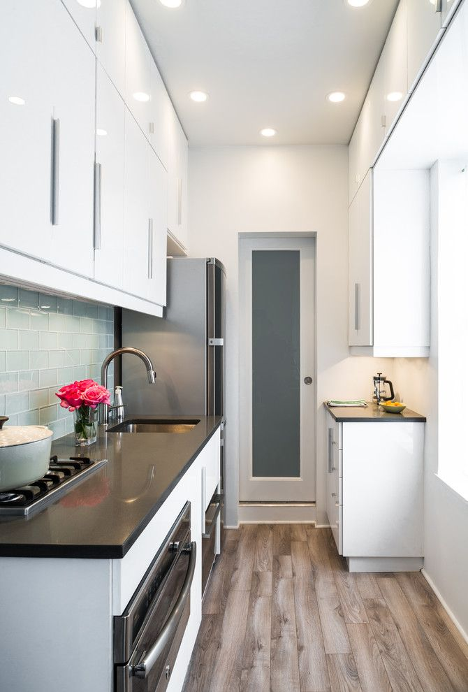 Cocina alargada dise o dise os de cocinas pinterest for Cocinas modernas apartamentos pequenos