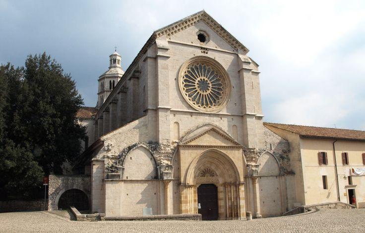 Abbazia di Fossanova. Epoca: 1163 circa Stile: Gotico Cistercense Luogo: Priverno