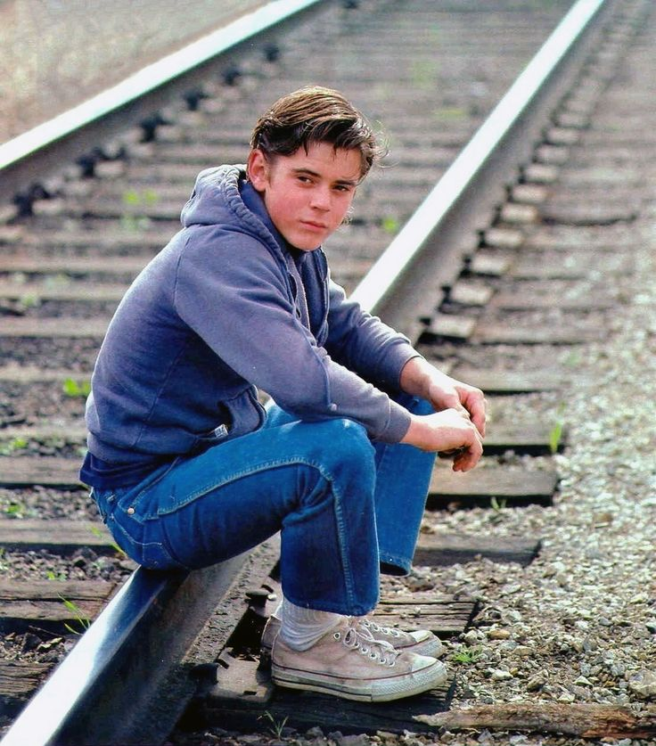 C. Thomas Howell as 'Ponyboy Curtis' in The Outsiders (1983)