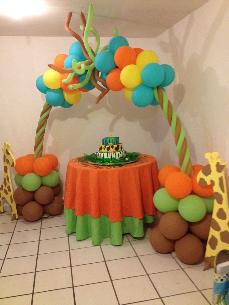 Decoracion para Baby Shower de mi sobrino! By, me! iGlobIU balloons by Magda!