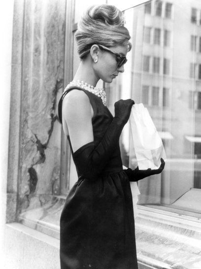 【ELLE】「ティファニーで朝食を」 本日命日。オードリーの女優人生を名シーンとともにプレイバック エル・オンライン