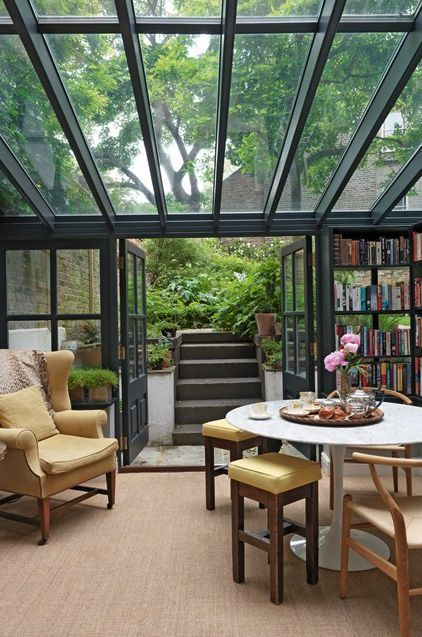 10 gorgeous libraries we'd love to have in our homes! Including this one featuring a glass ceiling.