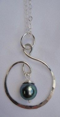 Handcrafted Silver Showcase with Tahitian Pearl