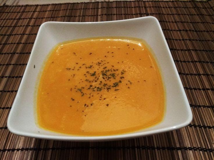 Visszavonhatatlanul+itt+az+ősz,+a+körte+pedig+már+megérett+a+kertben.+Lássuk,+ezúttal+milyen+különleges+ételt+és+nasit+készítettünk+belőle!  Körtés+édesburgonya+leves  Szeretjük+a+különleges+ízeket,+egyesíteni+az+édeset+a+sóssal,+a+zöldségeket+a+gyümölcsökkel,+illetve…