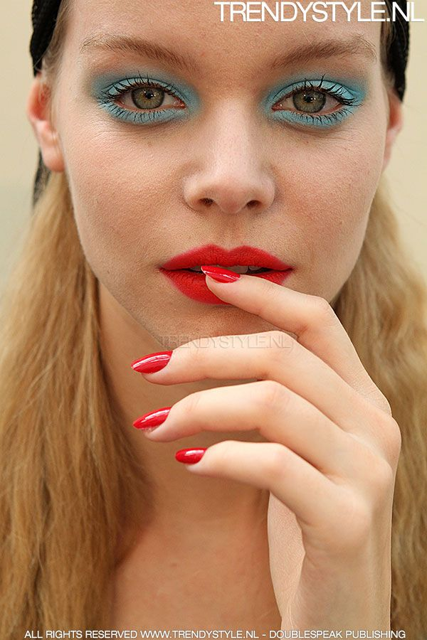 Rode nagellak trend zomer 2015