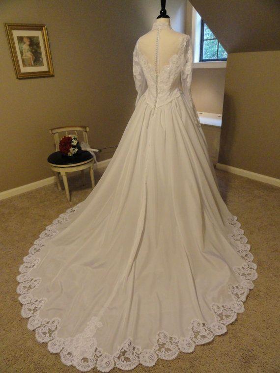 24 best Bianchi Wedding Gowns images on Pinterest   Wedding frocks ...