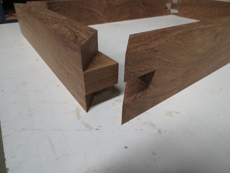 one mitered tenon join. admittedly does takes some time & effort to execute with any precision. well worth it though