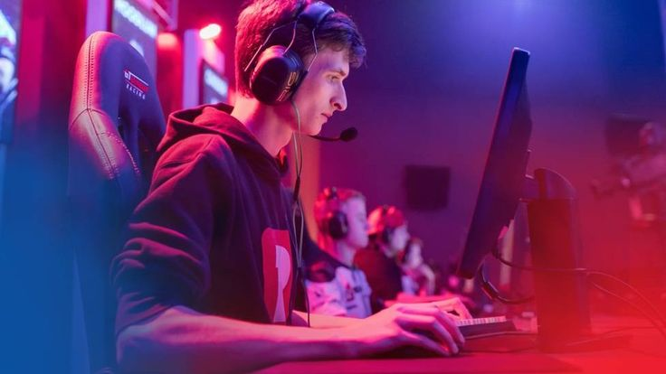 BBC Three to show full e-sports tournament for first time https://tmbw.news/bbc-three-to-show-full-e-sports-tournament-for-first-time  The BBC is to broadcast a live e-sports tournament in its entirety for the first time.It will show coverage of the Gfinity Elite Series contest every weekend for the next six weeks on BBC Three online.Some 160 gamers will compete in front of live crowds for a £225,000 prize.There are already places where large numbers of viewers watch e-sports, but one…