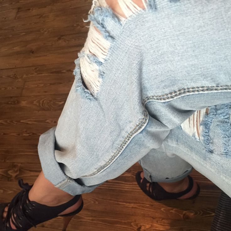 Ripped baggy jeans now online @ www.myfavouritemusthaves.com