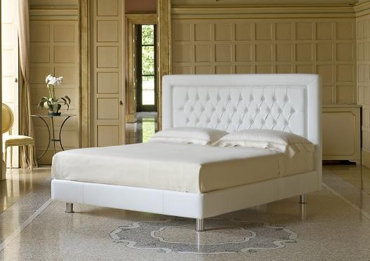 """""""Poetic"""" upholstered bed by Berto Salotti (Meda, Italy). 100% hand made in Brianza, by Italian Master Artisans."""