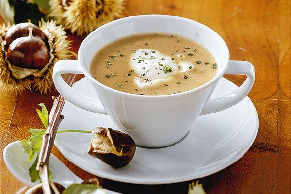 Herbstrezept: Kastaniensuppe mit Crème fraîche-amicella