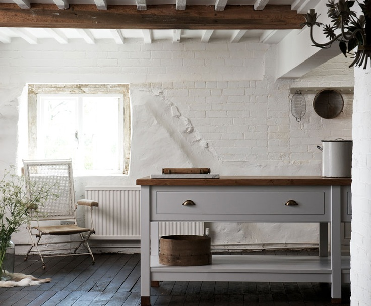 deVOL's beautiful bespoke Prep Table with rustic oak worktop. Simple style.