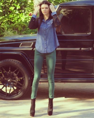hang out with kendall jenner :)