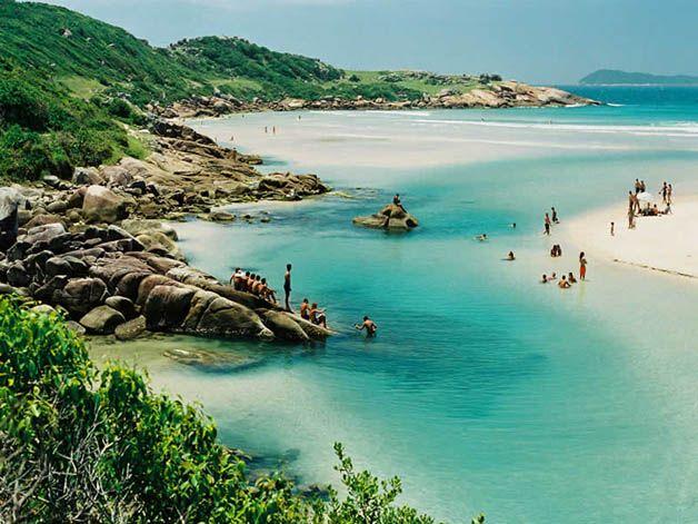 Guarda do Embau Santa Catarina Brasil. Essa praia lembra Menorca na Espanha, que lindaaaaaa