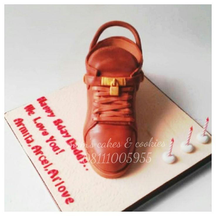 3d shoes cake
