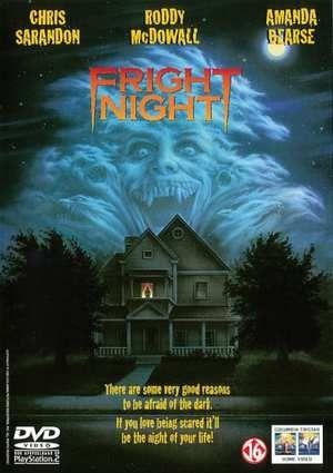 Fright Night  Charley een middelbare scholier in een Amerikaans provincie stadje ziet op een avond nadat hij zojuist een griezelfilm op tv heeft gezien dat zijn kersverse buurman een doodskist z'n huis binnendraagt. Een paar avonden later ziet hij door het raam dat de buurman een vrouw bij de keel grijpt. Charley denkt met een vampier van doen te hebben en waarschuwt de politie maar die kan geen spoor van een misdaad ontdekken. Dan gaat hij zelf met z'n vriendin op onderzoek uit. Als zij…