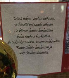 Joulukuun 1.päivä. Joulukalenterin runo johdattaa Joulun tunnelmaan.