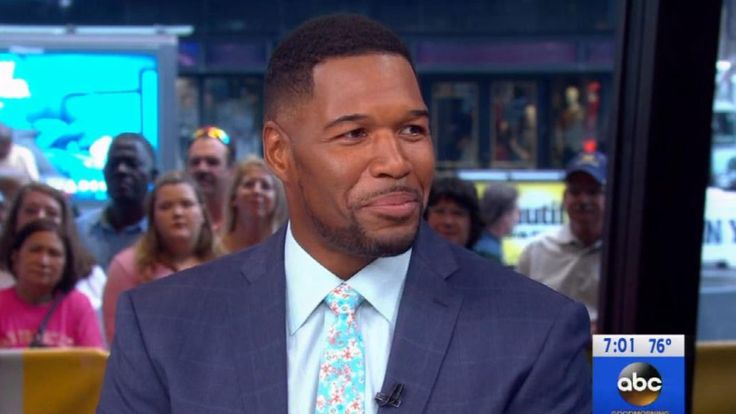 Michael Strahan Returns to 'GMA' After Losing Part of His Pinky