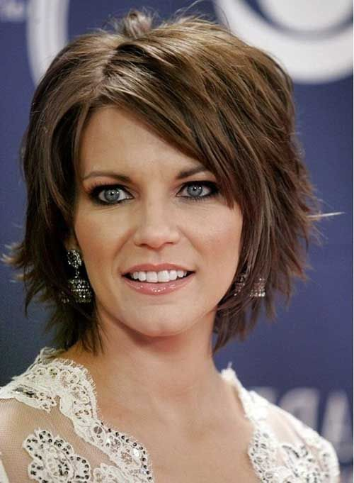 15 Good Layered Bob mit Side Bangs