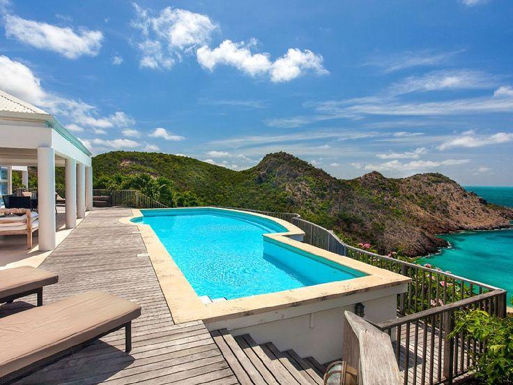 Chalet con capacidad para 10 personas en San Bartolomé #piscinas #vistas #HomeAway #vacation #travel