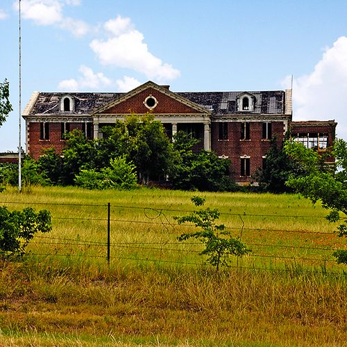 Abandoned Places Of Texas: HUGE Abandoned House, TX