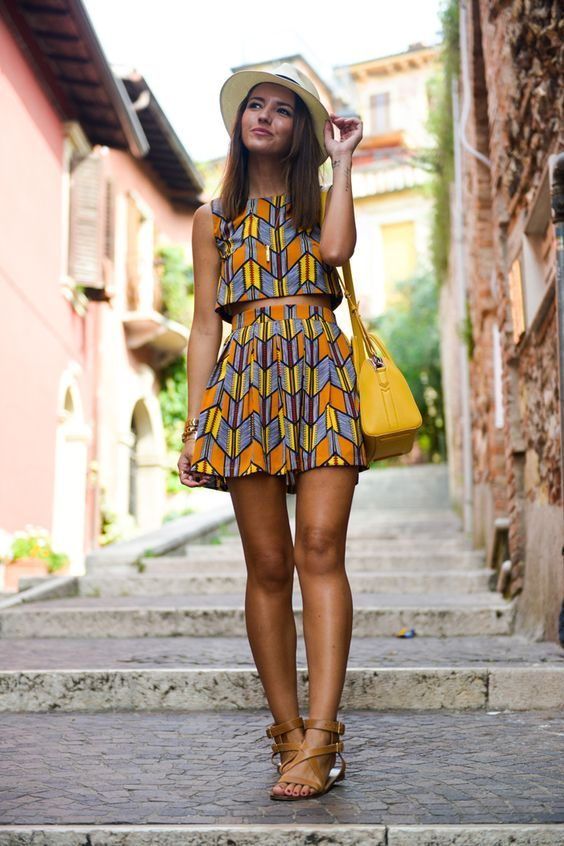 Alexandra Pereira con #print geométrico