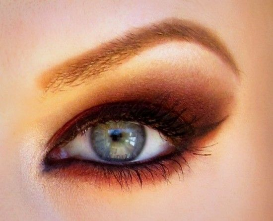Terracotta/burnt smokey eye. Love it.