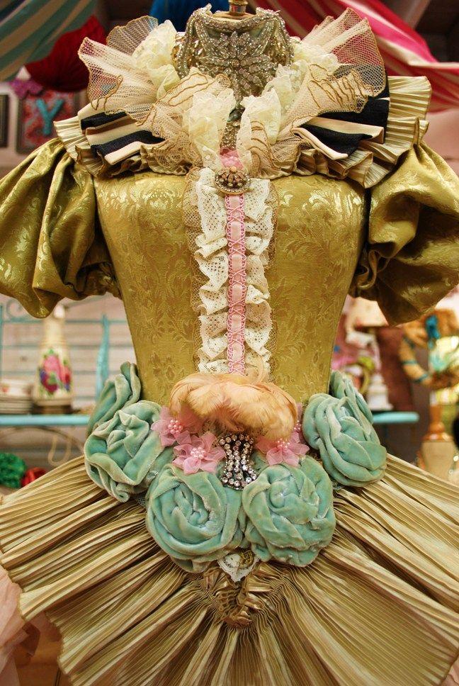 Mannequins & Dress Forms  ~