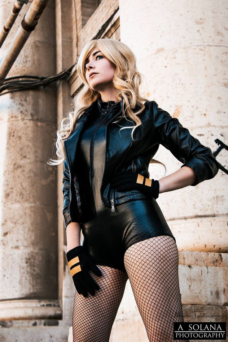Black Canary Cosplay From Hini Tsuburagi Looks Like It Stepped Out Of The Comic