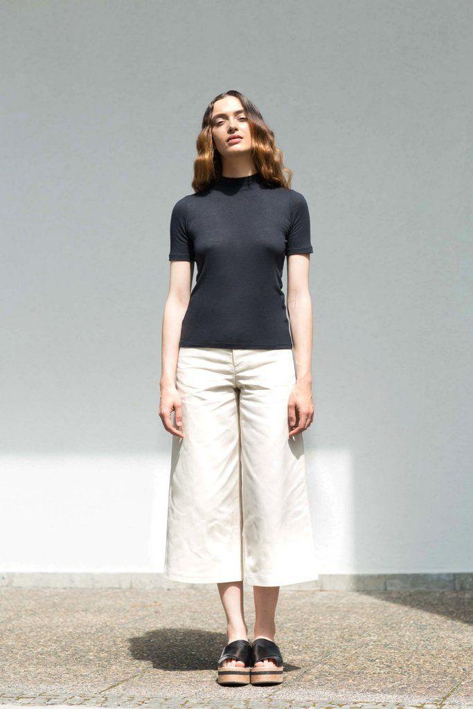 VON HUND Fashion & Design - Womenswear Lookbook S/S16, Tera Tight Tee in Black Cashmere Jersey & Off-white Dea Pants. Radical Price Transparency.  www.vonhund.com