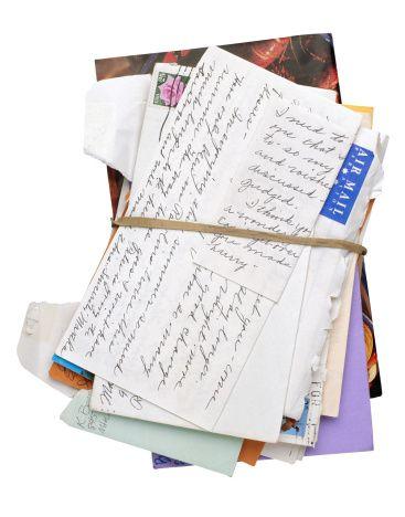 O Escreve Cartas, que ajuda quem tem dificuldades para ler e escrever, precisa de 50 novos voluntários. Hoje, o programa conta com 213 escrevedores presentes em cinco unidades do Poupatempo.