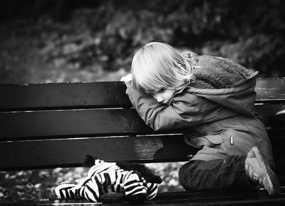 Anya, Apa, emlékeztek, kicsi lelkemet, hogy vártátok? Éjszakákon át, az égiekhez imádkoztatok. Az elmétek az arcom elképzelésével játszadozott....