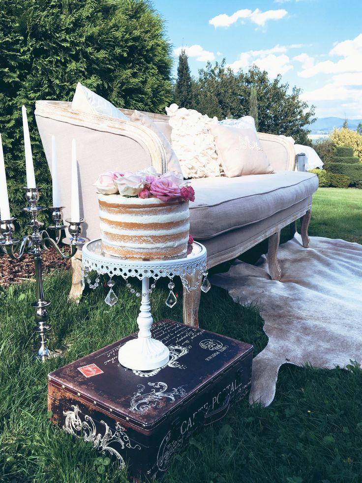 Svatební pohovka na focení#wedding sofa