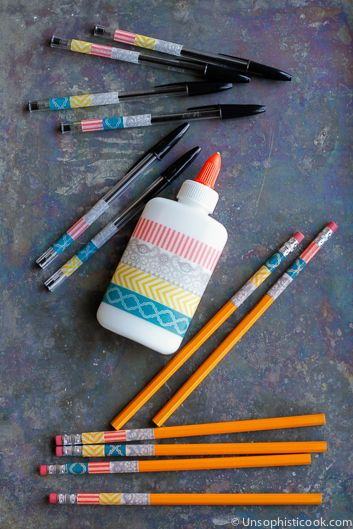 Personalized School Supplies -- washi tape makes personalizing school supplies inexpensive, simple and easy! | via @unsophisticook on unsophisticook.com