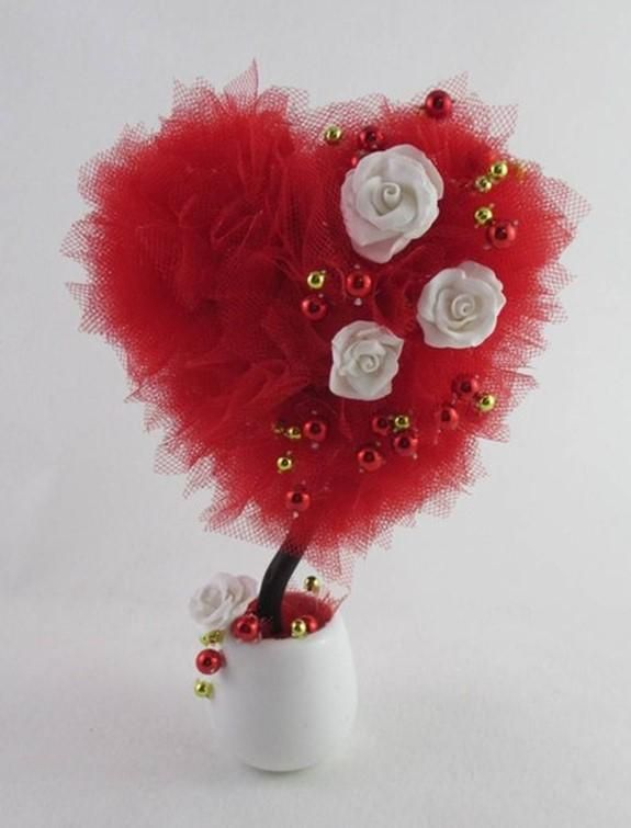 DIY Topiary : DIY Topiary Heart. Romantic gift for Valentines Day