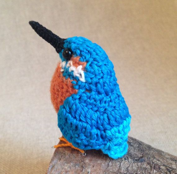 Kingston is a life-like British kingfisher crochet bird sculpture. About half life-size, Kingston stands just 3 high by 3.5 long (8cm x 9cm)