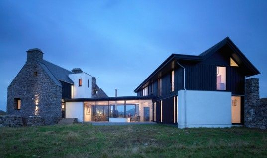 White House: Scottish Ruins Transformed Into Modern Low-Impact Home