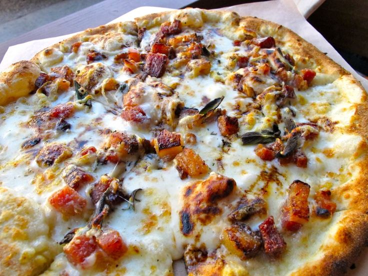 Bacon & Date Mascarpone Pizza at Simmzy's Long Beach: Mascarpone Pizza,  Pizza Pies