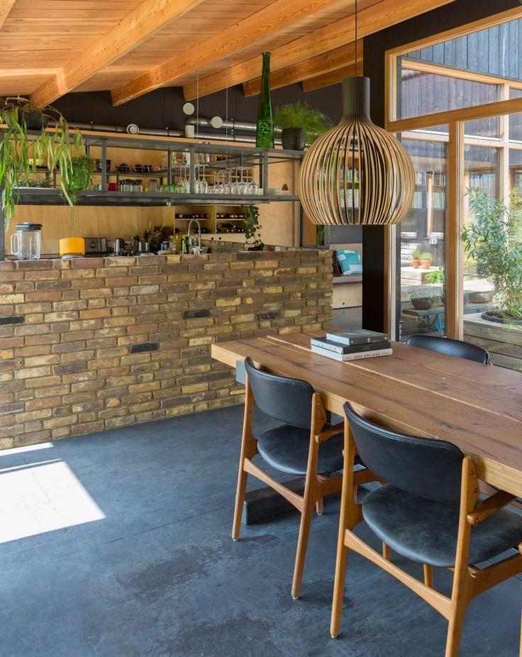 hout in de leefkeuken | wood in the kitchen | vtwonen binnenkijken special 2016 | photography: Margriet Hoekstra | styling: Barbra Natzijl