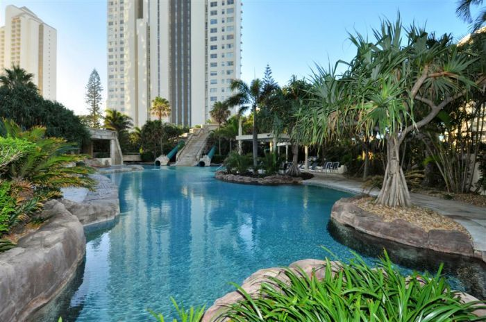 Sun City Resort boasts a beautiful Lagoon Pool that the kids are sure to love. Book your Gold Coast holiday today with http://www.gchr.com.au/