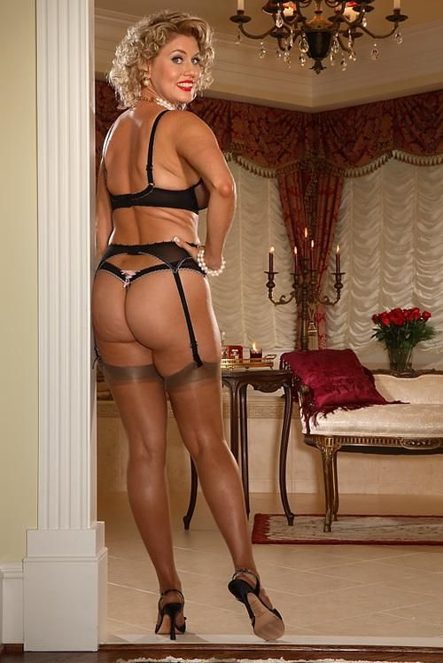 Reserved Pantyhose Pics At Milf 10