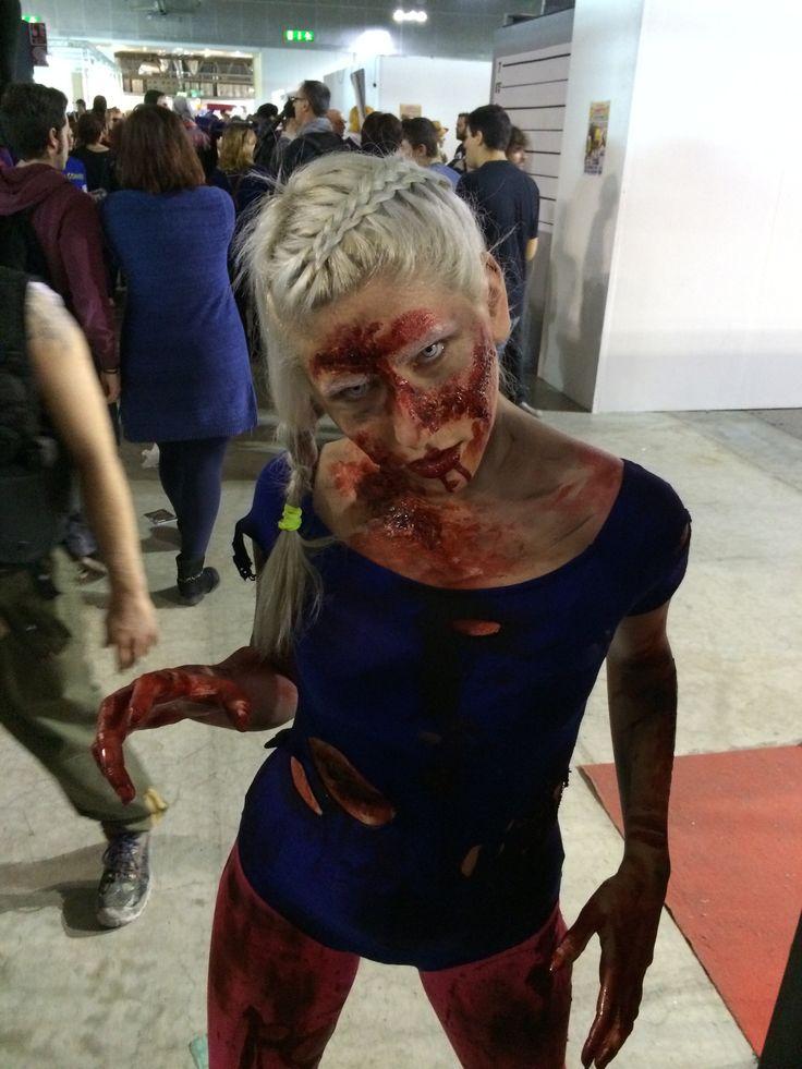 Uno degli #zombie di #umbrella a #cartoomics 2014