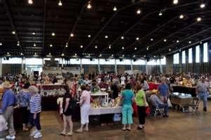 Tulsa Flea Market - this was fun.