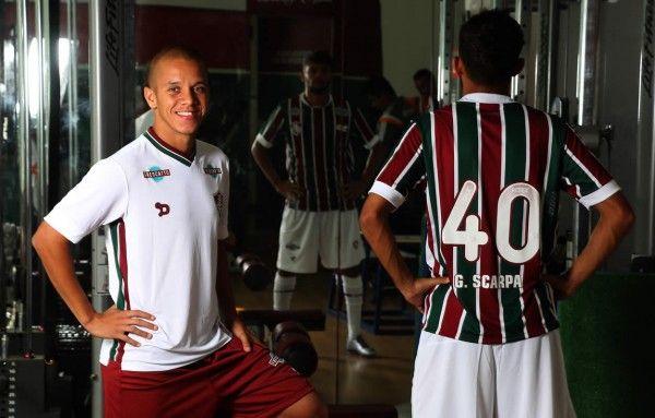 Nova camisa do Fluminense  agora com fotos oficiais