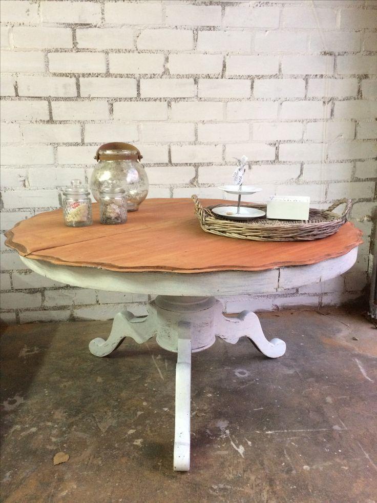 Barok tafel gerestyled van mahonie naar wit met puur hout