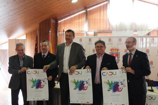 Los Alcázares acoge por segundo año consecutivo la décimo tercera edición del Campeonato Autonómico de Deporte Universitario,   http://www.murcia.com/losalcazares/noticias/2014/02/19-los-alcazares-acoge-por-segundo-ano-consecutivo-la-decimo-tercera-edicion-del-campeonato-autonomico-de-deporte.asp