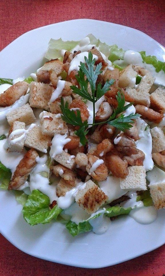 Csirke-saláta, avagy hamis Cézár saláta - ahogy én készítem
